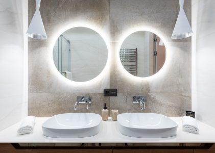 Come fare le pulizie di fondo in bagno